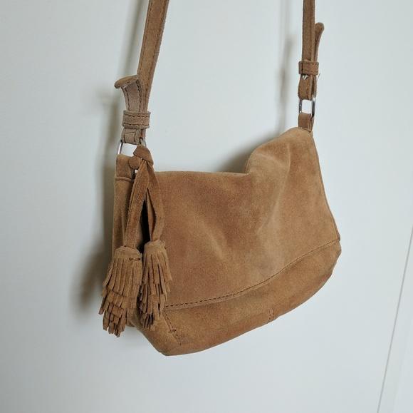 6a6225235d Zara Tan Suede Crossbody Bag with Fringe. M 5b4c926ec9bf50dcae04c2bd